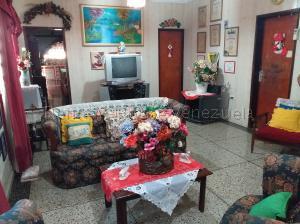 Casa En Ventaen Coro, Sector Bobare, Venezuela, VE RAH: 21-3237