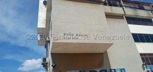 Apartamento En Ventaen Maracaibo, Santa Maria, Venezuela, VE RAH: 21-3560