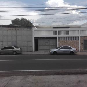 Galpon - Deposito En Alquileren Maracaibo, Las Delicias, Venezuela, VE RAH: 21-3260