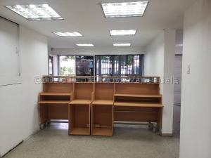 Local Comercial En Alquileren Caracas, El Valle, Venezuela, VE RAH: 21-3266