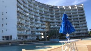 Apartamento En Ventaen Higuerote, Agua Sal, Venezuela, VE RAH: 21-3324
