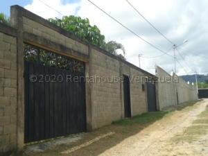 Casa En Ventaen Yaritagua, Municipio Peña, Venezuela, VE RAH: 21-3286
