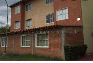 Apartamento En Ventaen Guatire, Alto Grande, Venezuela, VE RAH: 21-3303