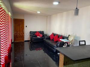 Apartamento En Ventaen Caracas, Caricuao, Venezuela, VE RAH: 21-3295