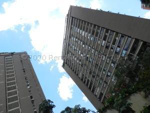 Apartamento En Ventaen Caracas, Prados Del Este, Venezuela, VE RAH: 21-3242