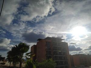Apartamento En Ventaen Municipio Naguanagua, Piedra Pintada, Venezuela, VE RAH: 21-3356