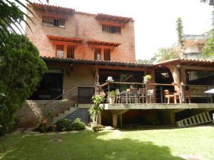 Casa En Alquileren Caracas, Los Palos Grandes, Venezuela, VE RAH: 21-3364