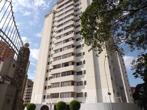 Apartamento En Ventaen Valencia, La Trigaleña, Venezuela, VE RAH: 21-3380