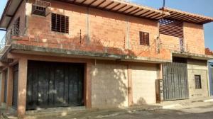 Local Comercial En Ventaen Yaritagua, Municipio Peña, Venezuela, VE RAH: 21-3379