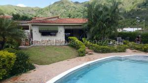 Casa En Ventaen Municipio San Diego, Las Morochas Ii, Venezuela, VE RAH: 21-3397