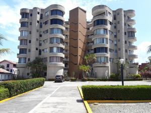 Apartamento En Ventaen Rio Chico, Los Canales De Rio Chico, Venezuela, VE RAH: 21-3403