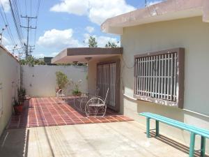 Casa En Ventaen Coro, Sector San Bosco, Venezuela, VE RAH: 21-3494