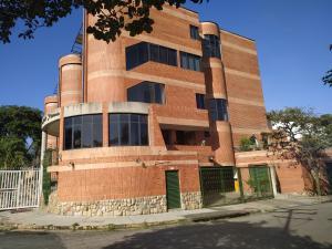 Townhouse En Ventaen Valencia, El Bosque, Venezuela, VE RAH: 21-3527