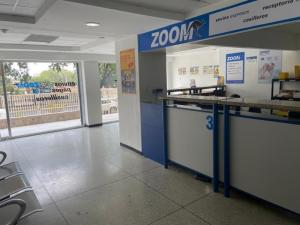 Local Comercial En Ventaen Valencia, Lomas Del Este, Venezuela, VE RAH: 21-3611
