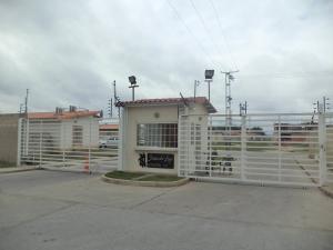 Casa En Ventaen Guacara, Ciudad Alianza, Venezuela, VE RAH: 21-3662