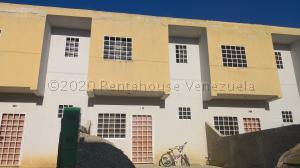 Casa En Ventaen Cabudare, Parroquia Cabudare, Venezuela, VE RAH: 21-3690