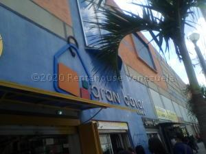 Local Comercial En Ventaen Valencia, La Candelaria, Venezuela, VE RAH: 21-3511