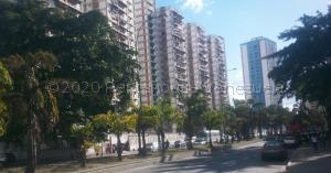 Apartamento En Ventaen Caracas, El Valle, Venezuela, VE RAH: 21-3758