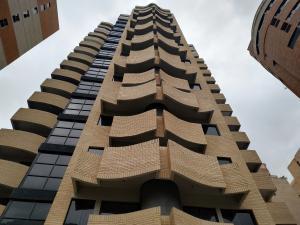 Apartamento En Ventaen Valencia, La Trigaleña, Venezuela, VE RAH: 21-3773