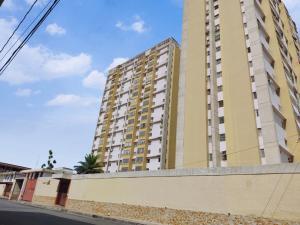 Apartamento En Ventaen Barquisimeto, Parroquia Concepcion, Venezuela, VE RAH: 21-3790
