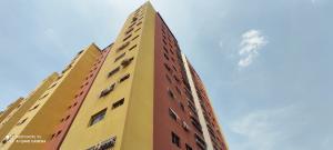 Apartamento En Ventaen Barquisimeto, Parroquia Concepcion, Venezuela, VE RAH: 21-3795