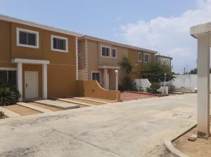 Townhouse En Ventaen Maracaibo, Amparo, Venezuela, VE RAH: 21-3801