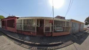 Casa En Ventaen Acarigua, La Goajira, Venezuela, VE RAH: 21-3803