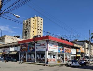 Local Comercial En Ventaen Maracay, Avenida Páez, Venezuela, VE RAH: 21-3814