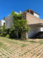 Casa En Ventaen Margarita, La Asuncion, Venezuela, VE RAH: 21-3828