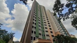 Apartamento En Ventaen Valencia, Valles De Camoruco, Venezuela, VE RAH: 21-3834