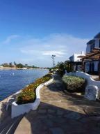 Townhouse En Ventaen Higuerote, Puerto Encantado, Venezuela, VE RAH: 21-3848