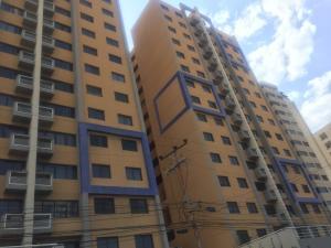 Apartamento En Ventaen Lecheria, Casco Central, Venezuela, VE RAH: 21-3854