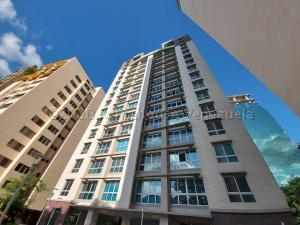 Apartamento En Ventaen Caracas, Campo Alegre, Venezuela, VE RAH: 21-5244