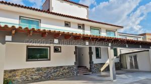 Casa En Ventaen Lecheria, Complejo Turistico El Morro, Venezuela, VE RAH: 21-3882