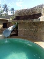 Casa En Ventaen Chichiriviche, Playa Norte, Venezuela, VE RAH: 21-3930
