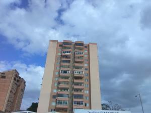 Apartamento En Ventaen Valencia, El Recreo, Venezuela, VE RAH: 21-3954