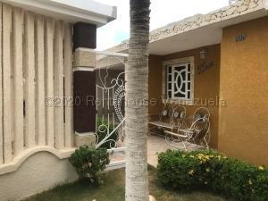Casa En Ventaen Punto Fijo, Pedro Manuel Arcaya, Venezuela, VE RAH: 21-4474
