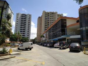 Local Comercial En Ventaen Valencia, Las Chimeneas, Venezuela, VE RAH: 21-3871
