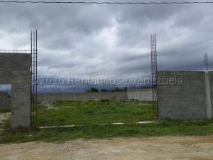 Terreno En Ventaen Cabudare, Parroquia José Gregorio, Venezuela, VE RAH: 21-3940