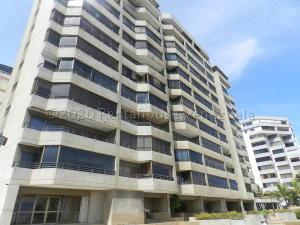 Apartamento En Ventaen Catia La Mar, Playa Grande, Venezuela, VE RAH: 21-4005