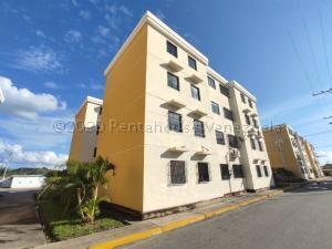 Apartamento En Ventaen Turmero, Conjunto Residencial Las Carolinas Ii, Venezuela, VE RAH: 21-307