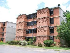 Apartamento En Ventaen Guarenas, Nueva Casarapa, Venezuela, VE RAH: 21-4016