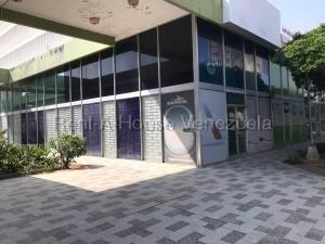 Local Comercial En Alquileren Maracaibo, Avenida Bella Vista, Venezuela, VE RAH: 21-5018