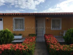 Casa En Ventaen Margarita, San Antonio, Venezuela, VE RAH: 21-4029