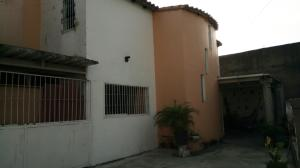 Townhouse En Ventaen Palo Negro, 10 De Diciembre, Venezuela, VE RAH: 21-4075