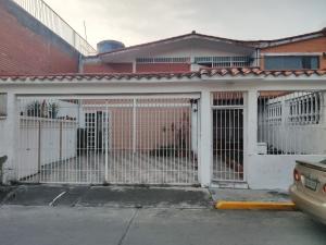 Casa En Ventaen Guatire, Valle Arriba, Venezuela, VE RAH: 21-4062