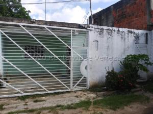Casa En Ventaen Municipio Miguel Peña, Francisco De Miranda, Venezuela, VE RAH: 21-4214