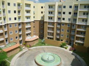 Apartamento En Ventaen Intercomunal Maracay-Turmero, Intercomunal Turmero Maracay, Venezuela, VE RAH: 21-4180