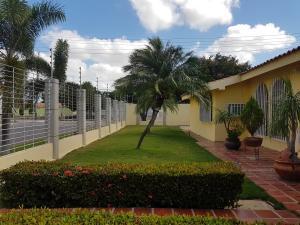 Casa En Ventaen Coro, Sector San Bosco, Venezuela, VE RAH: 21-4217