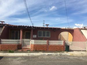 Casa En Ventaen Cabudare, Parroquia José Gregorio, Venezuela, VE RAH: 21-4260